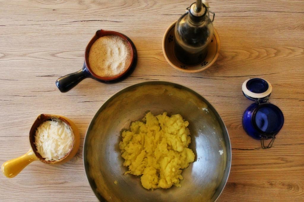 Preparazione crocchette di patate